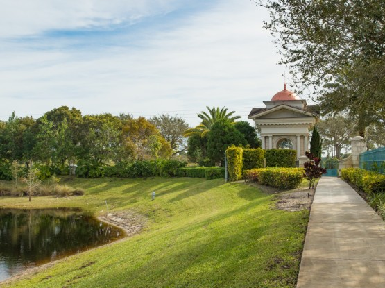 the gardens lake