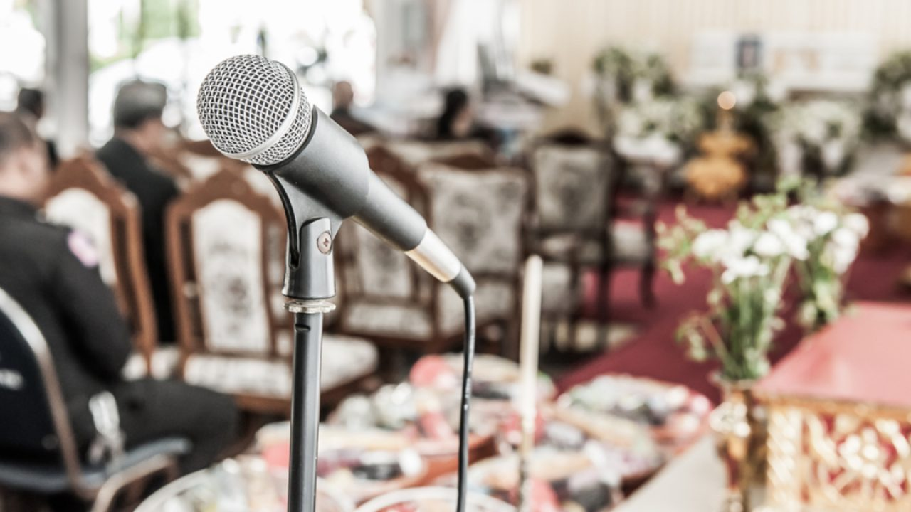 How to Choose a Funeral Speaker | The Gardens of Boca Raton